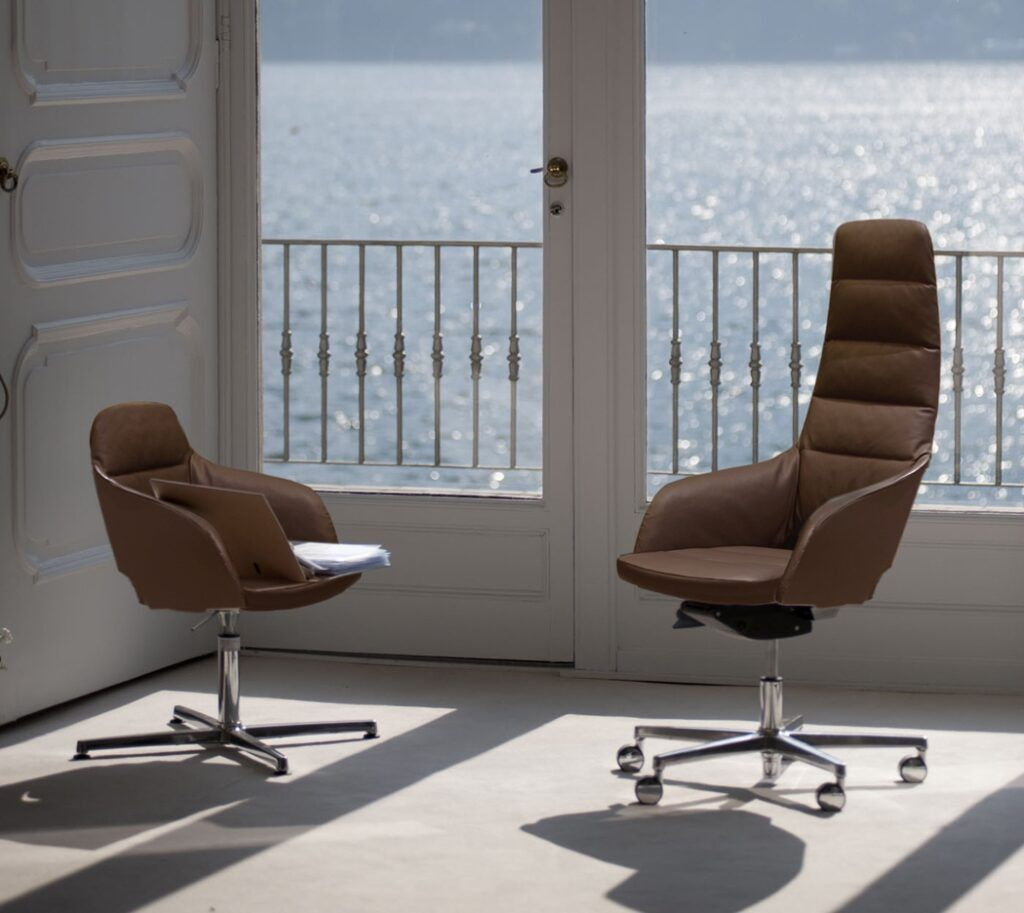 Stół konferencyjny System: Board Fabryka: Sinetica Krzeszło System: Captain Line Soft Fabryka: Sinetica